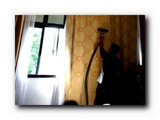 чистить шторы
