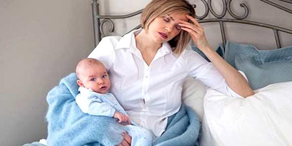 Кормящая мама заболела простудой, как не заразить ребенка?